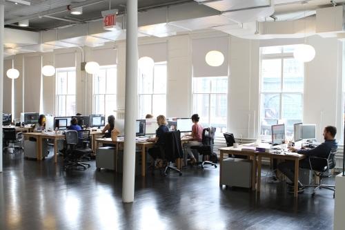 Bố cục văn phòng mở so với đóng: Ưu và nhược điểm